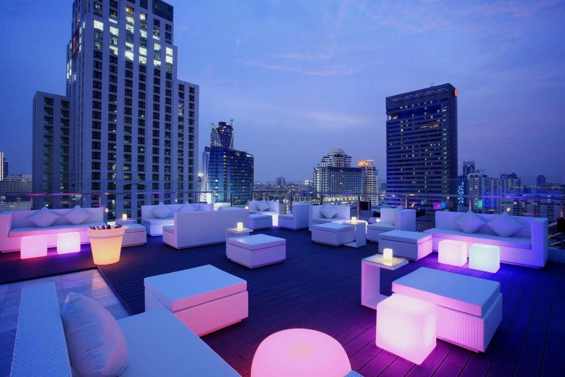 Centara-Watergate-Pavillion-Hotel-Bangkok-WALK-2