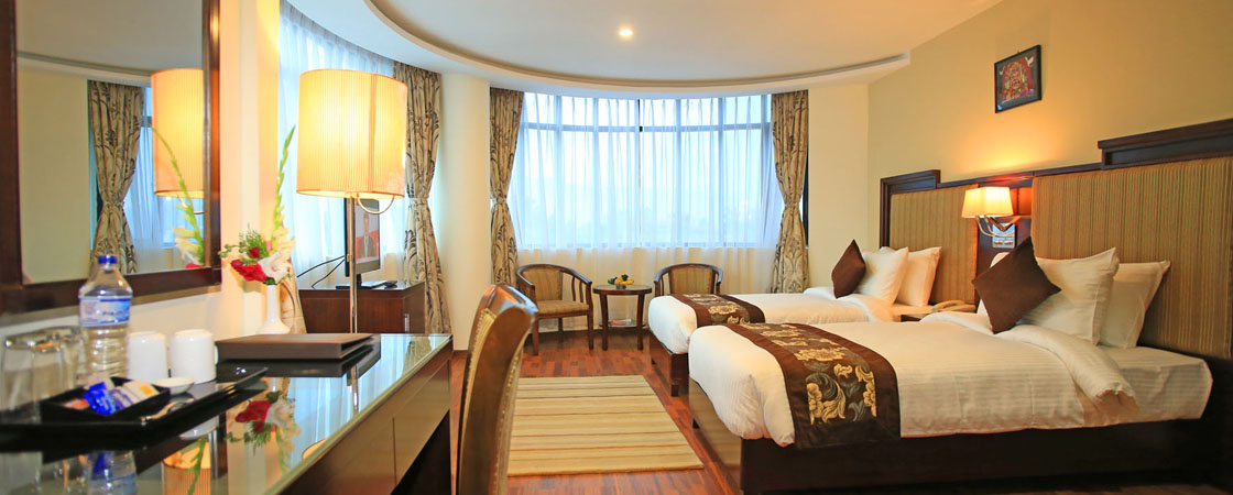 executive-room-with-modern-amenities